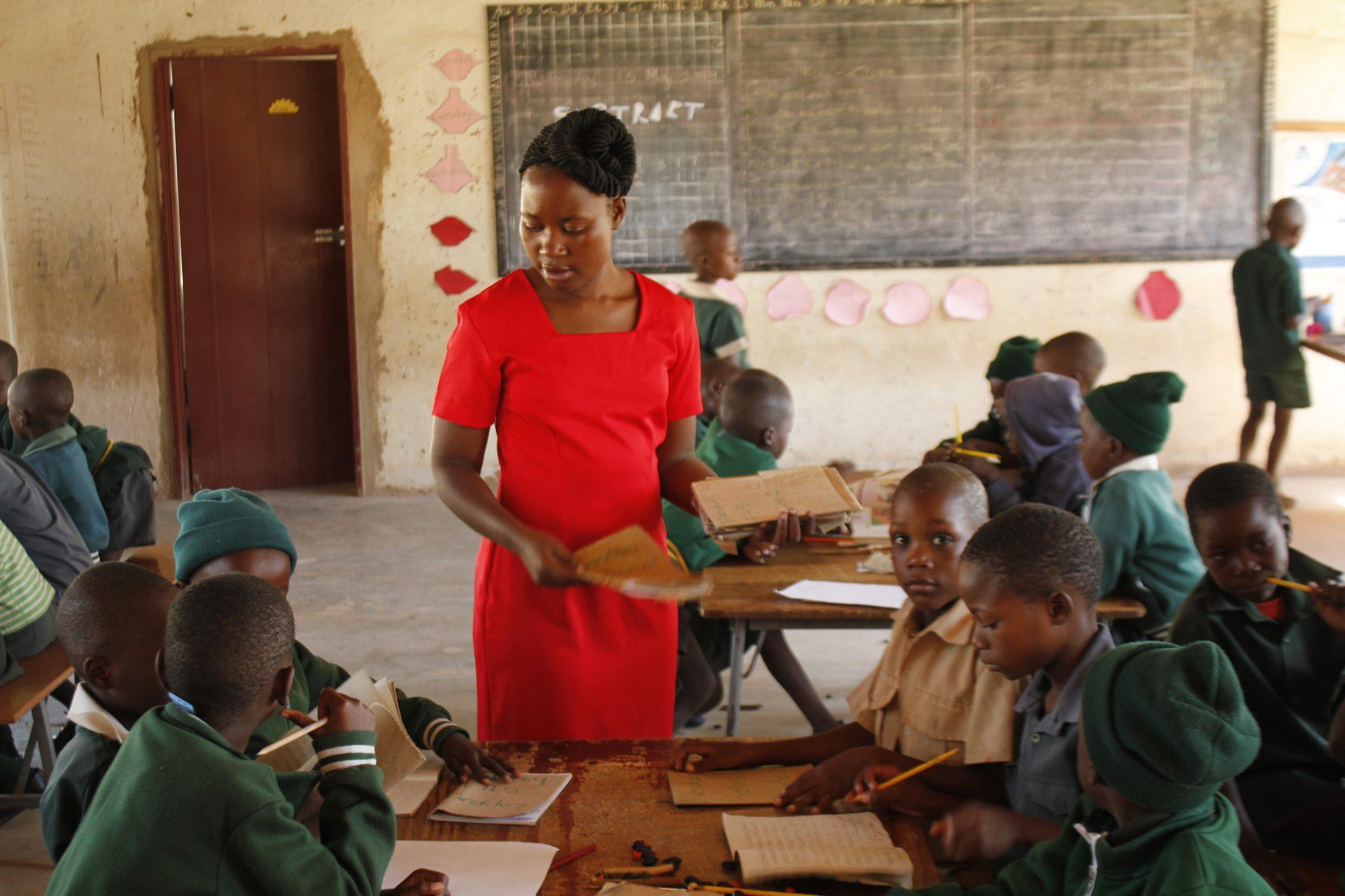 Dingani Teacher Sponsorhip